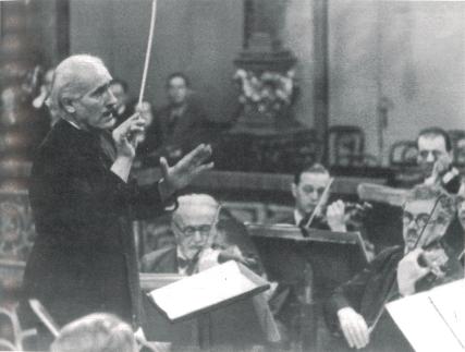 Toscanini dirigiert